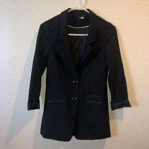 EUC H&M Divided blazer black size 2